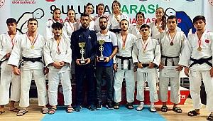 Judoda zirve İzmir Büyükşehir Belediyesi'nin