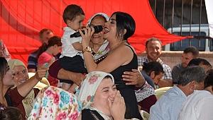 Mendegüme Sakinleri Nur Ertürk'ün Türküleriyle Coştu
