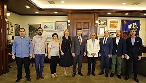 Yeşilay'dan, Başkan Soyer'e ziyaret