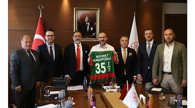 Bakan Kasapoğlu ile 'Karşıyaka' zirvesi