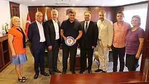 İzmir Bosna Sancak Derneği'nden Tugay'a hayırlı olsun ziyareti