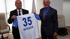 Karabağlar Belediyesi 26 Spor Kulübüne 10'Ar Bin Lira Destek Verdi