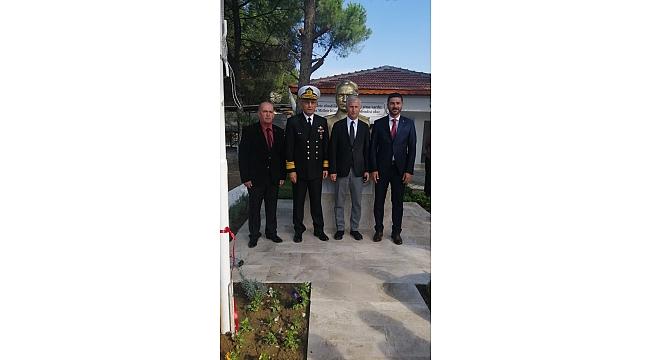 Foça Yeni Bağarası'na Atatürk Büstü