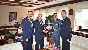 Turhan'a İzmir'in lojistik sektöründeki beklentilerini iletti