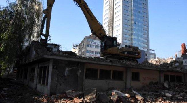 İzmir'de yüksek yapı tartışması; Kadifekale'den bile yüksek olacak