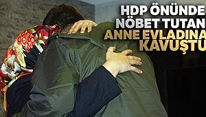 HDP önünde nöbet tutan anne evladına kavuştu