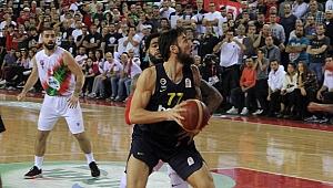 Karşıyaka,Fenerbahçe Beko'yu 68-57 mağlup etti.
