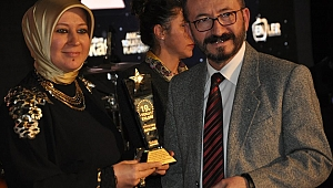 Yazarımıza Yılın Son Ödülü