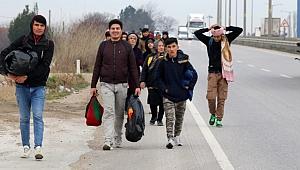 Avrupa'ya gitmek isteyen Suriyeli göçmenler sınır bölgelerine akın etti
