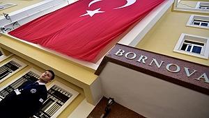 Bornova Belediyesi'nde bayrak nöbeti