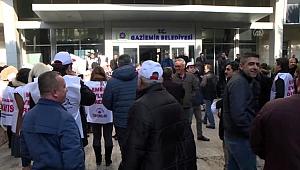 Gaziemir Belediyesi memurlarından 'toplu sözleşme' eylemi