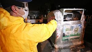 Buca'da her gece konteynerlere dezenfekte operasyonu