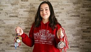 Matematik olimpiyatında gümüş madalya kazandı
