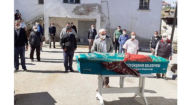 17 yaşındaki kızın cenazesi defnedildi
