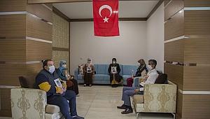 Diyarbakır annelerinin evlat nöbeti bayramda da devam ediyor