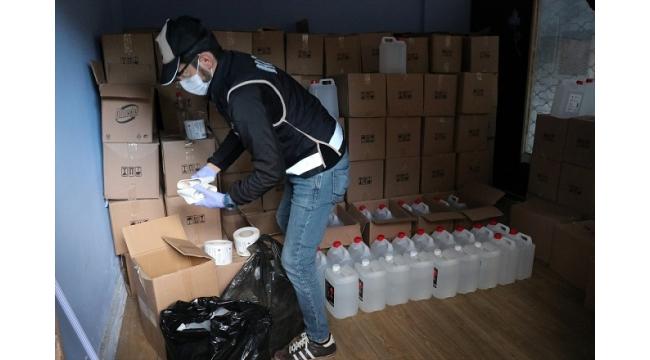 İzmir'de tonlarca kaçak etil alkol ele geçirildi