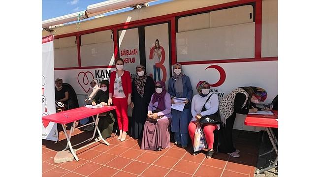 AK Partili kadınlardan kan bağışı kampanyası