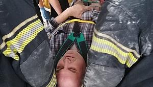 Asansör boşluğuna düşen kişi itfaiye tarafından kurtarıldı