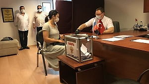 Ruslar İzmir'de oy kullandı