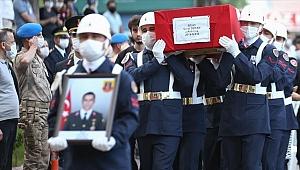 Siirt'te şehit olan Astsubay Özcan son yolculuğuna uğurlandı