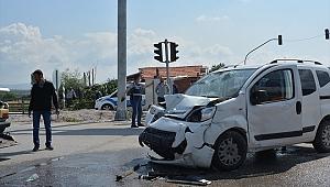 Soma'da trafik kazası: 3 yaralı