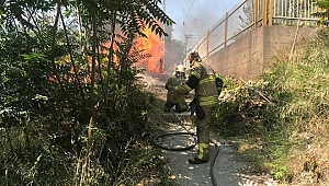 Depo olarak kullanılan binada çıkan yangın söndürüldü
