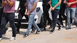 İzmir merkezli FETÖ operasyonunda 5 şüpheli gözaltına alındı