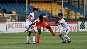 Menemenspor 3 puanı 4 golle aldı