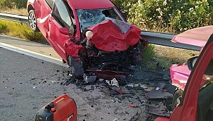 Ters yönden ilerleyen otomobil kazaya neden oldu: 1 ölü, 1 yaralı