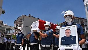 Trafik kazası sonucu şehit olan polis memuru toprağa verildi