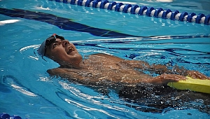 Zihinsel engelli yüzücü