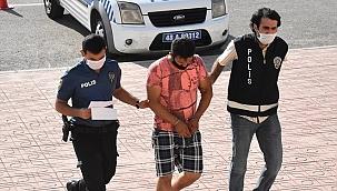 Bodrum'da denize çıplak giren kişi gözaltına alındı
