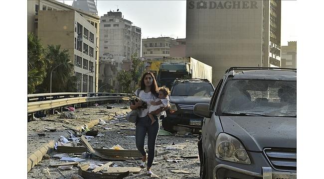 Lübnan'ın başkenti Beyrut'ta patlama.30 ölü