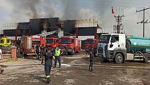 Manisa'da mobilya fabrikasında çıkan yangın söndürüldü