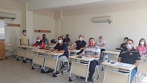 Mücadele sporları alanında İzmir'de bir ilke daha imza atıldı .