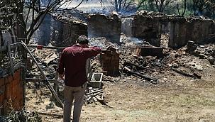 Tadilat yaptırdığı evi orman yangınında kül oldu