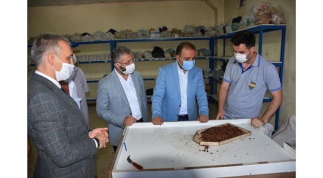 AK Partili Baybatur, üzüm üreticileriyle bir araya geldi