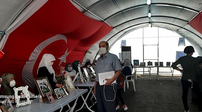"""Diyarbakır STK birliği: """"Annelerimiz ağlıyor, yüreğimizi dağlıyor"""" dedi."""