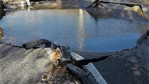 İçme suyu hattındaki patlama göçüğe neden oldu