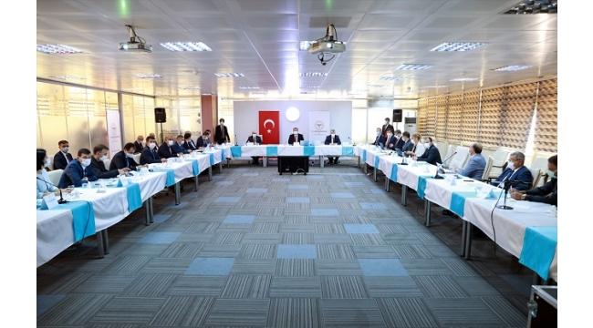 Sağlık Bakanı Fahrettin Koca, İzmir'de açıklamalarda bulundu