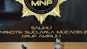 Salihli'de sahte içki ve uyuşturucu operasyonları