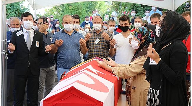 Şehit olan Türk Kızılay personeli Kıdıman son yolculuğuna uğurlandı