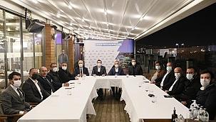 İzmir'deki spor kulüplerinin başkanları Spor Zirvesi'nde bir araya geldi