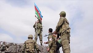 O tepeye Azerbaycan Bayrağı Dikildi