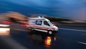Uşak'ta 2 otomobilin çarpıştığı kazada 1 kişi öldü, 4 kişi yaralandı