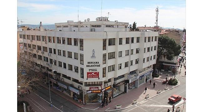 Bergama belediye binasına yıkım kararı
