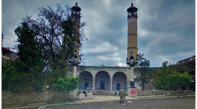 Şuşa'da 28 yıl sonra cuma namazı kılındı