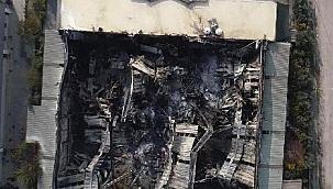 İzmir'de yanan plastik fabrikası havadan görüntülendi