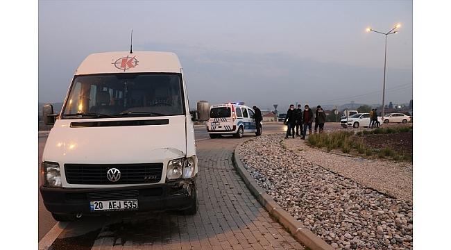 Polis aracına çarpınca yakalandı