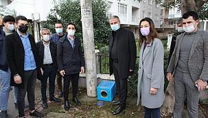 AK Bayraklı'dan sokak hayvanları için kampanya